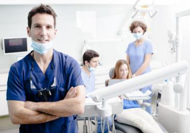 "I dentisti rispondono sulle ""punturine"""